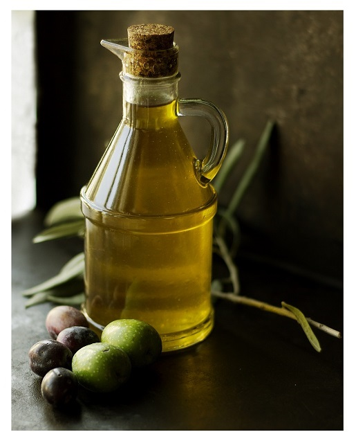 olive oil - 515x640 - with border (fixed)